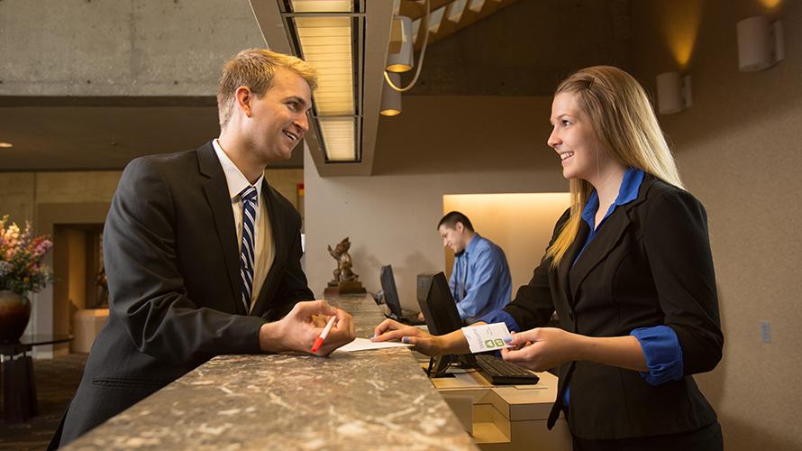 carreira em hospitality toronto school of management